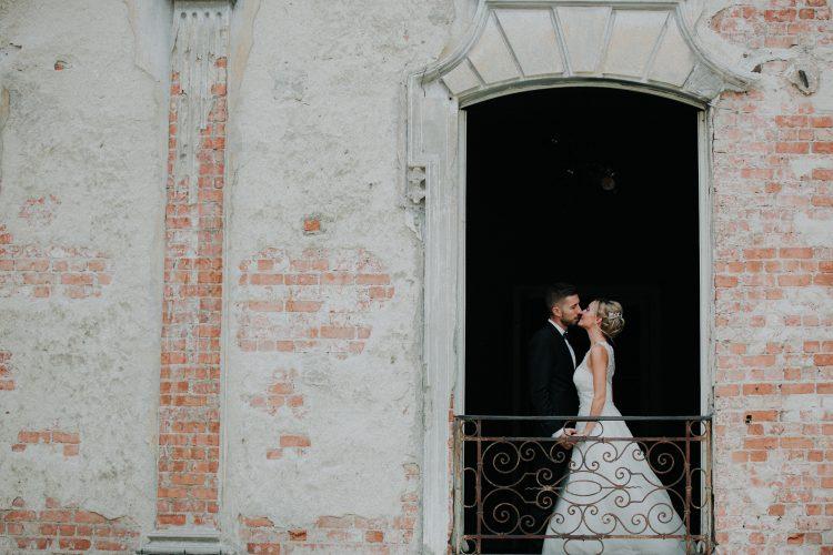 couple in balconi